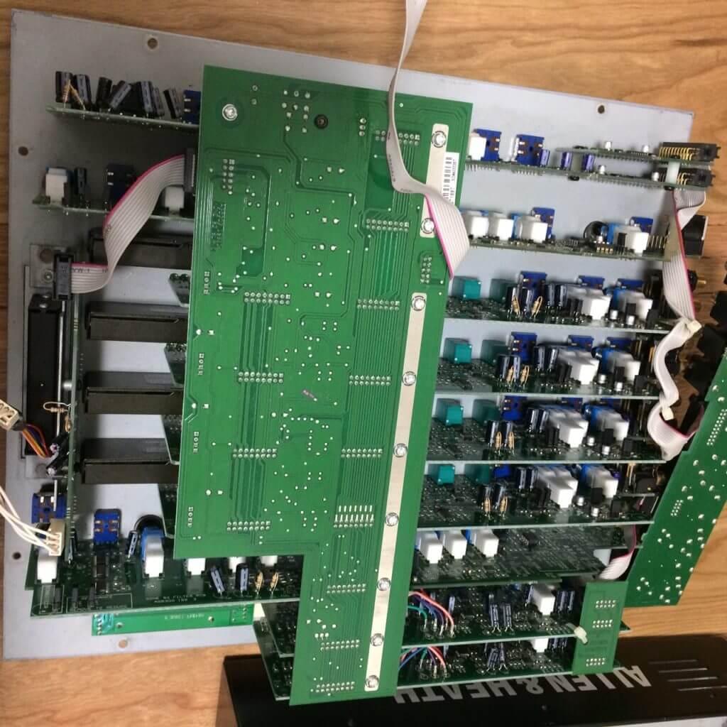 S  9232391 1024x1024 - DJミキサーの修理 ALLEN& HEATH XONE:92 その2