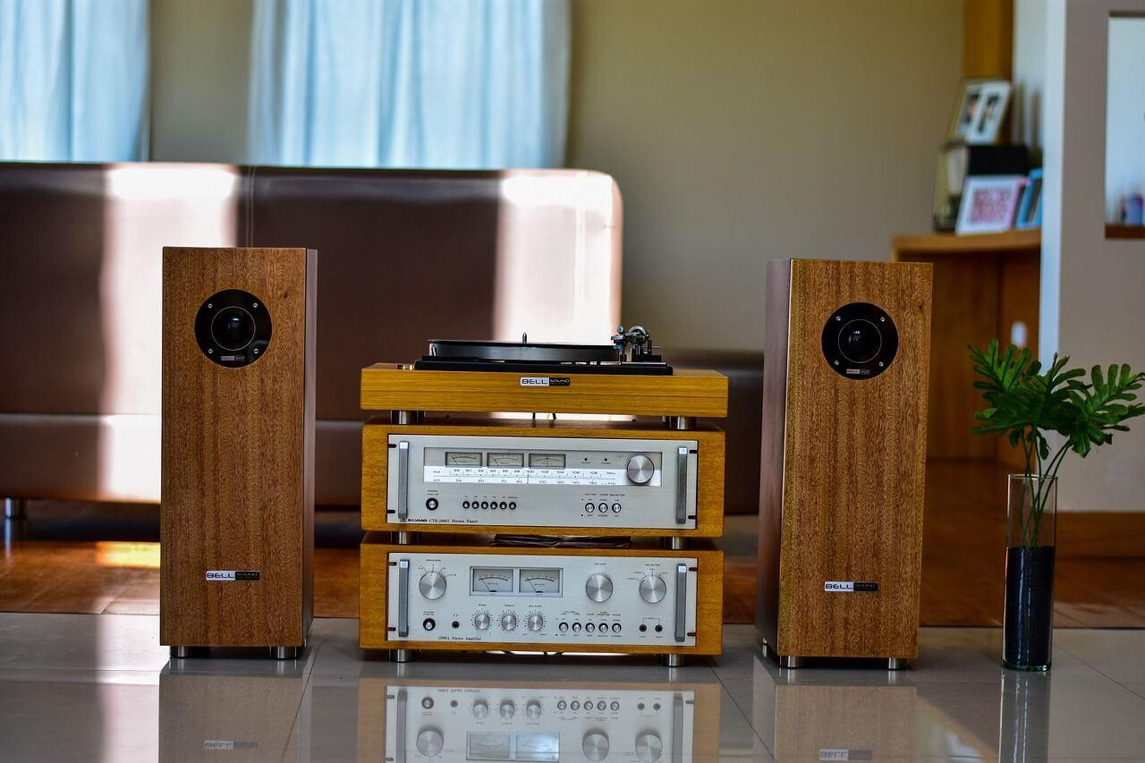 speakers 3744844 1280 compressor - インシュレーターのおすすめ!スピーカーの音質アップ!