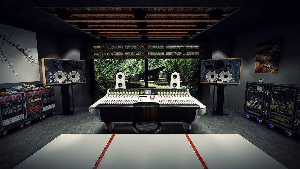 recording studio 3973795 960 720 compressor - スピーカーの壁からの距離やセッティングについて