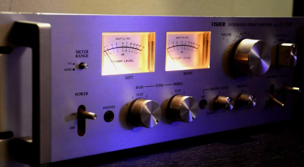 stereo amplifier 1208090 1280 1 - B&W(Bowers & Wilkins)ブックシェルフスピーカー606S2試聴レビュー【10万円台】
